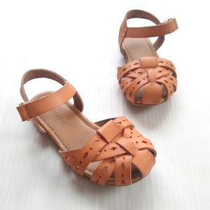 CAT & JACK • hurache strappy girls Sandals